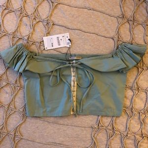 Zara NWT off the shoulders cropped top